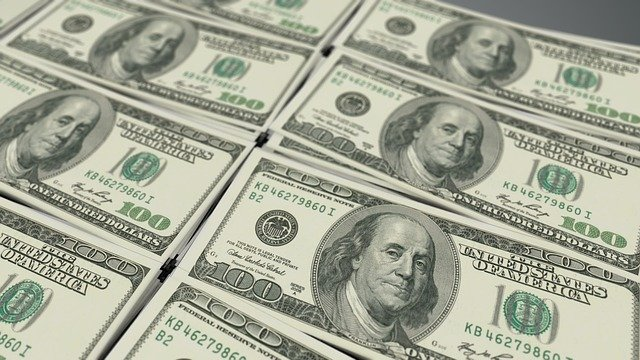 Stacks of one hundred dollar bills (American) by 3D Animation Production Company from Pixabay