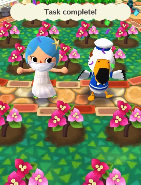 My character is wearing the starfish hairpin and the seaside-vacation dress.